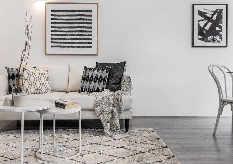 monochrome-livingroom